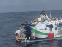 Hi-res image - Inmarsat - The Row4Ocean crew carry out repairs to their rudder during the Atlantic crossing attempt