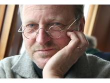 Författarporträtt: Tommy Hellsten