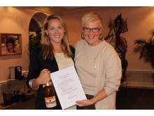 Diplomering i Kvinnokompetensens Take the Lead  -Maria Dahlin och Anna Eliasson Lundquist.
