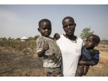 No Shame. Period. Annett, 19 år från Sydsudan med sina två barn