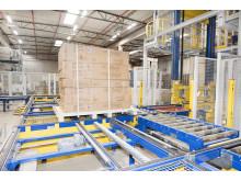 Både EU-pallar och stora pallar med mått upp till 1200 x 2400 millimeter hanteras på JYSK