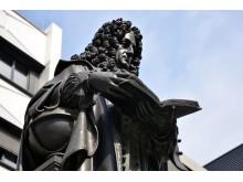 Das Leibniz-Denkmal im Innenhof der Universität Leipzig