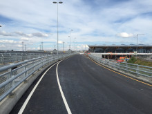 Veiforlengelse foran ny avgang- og ankomsthall