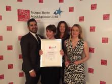 Pouria Ruhi, Karin Sjögren, Hanne Corneliussen og Mathilde Vik Magnussen er stolte over at Nordic Choice Hotels er kåret til Norges beste arbeidsplass i reiselivsbransjen.