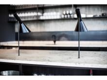 Varmelamper integreret i bordpladen i Jura Graublau