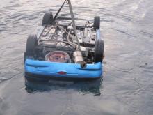 Heving av dumpet bil i sjøen
