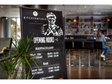DE BESTE GJESTEOPPLEVELSENE: Sammen med stjernekokken Marcus Samuelsson tilbyr Clarion Hotel restaurantkonseptet Kitchen & Table. Her fra Clarion Hotel Stavanger.