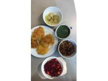 Latkensen med rotfrukter och skalen av rotfrukterna