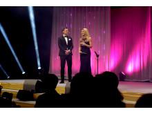 Per Skoglund och Kristin Kaspersen på scen - Hästgalan 2019