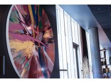 Beautiful Amore kunstverket fra Damien Hirst i Thief Foodbar