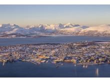 Einfach einzigartig: Tromsøs Lage mitten im Meer