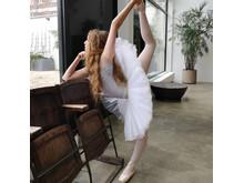 BALLET DANCER_HERO_3