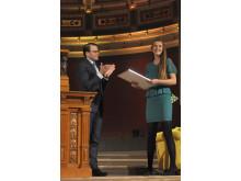 Prins Daniel delar ut stipendium till Årets Uppsalastudent 2013