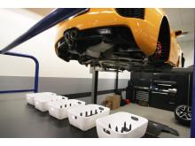 Lexus LFA har en serviceintervall på 1 500 mil eller två år och det är kunden själv som väljer var servicen ska göras.