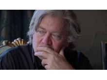 I den nærgående og afslørende prisnominerede dokumentarfilm, The Brink, følger vi Donald Trumps tidligere chefstrateg, Steve Bannon.
