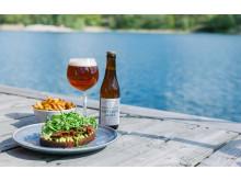 Lunch i solen på Smådalarö Gård