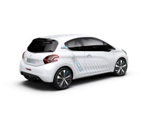 0,2-litersbilen Peugeot 208 HYbridAir_03