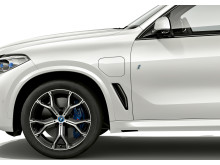 BMW X5 xDrive45e iPerformance_latausluukku
