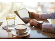 Svenskar väljer bort digital teknologi på krogen