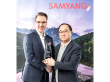 Niclas Walser und Samyang-CEO Choong Hyun Hwang_WRM5010-1_v3