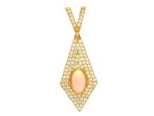 Exklusiva 20/10, Nr 12, HÄNGE, 18K guld, briljant- och åttkantslipade diamanter 3,80 ctv, TW/VS, enligt gravyr, cabochonslipad rosa korall