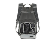 Lowepro Photo Hatchback 22L varusteiden kanssa