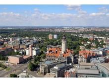 Leipzig-Panorama mit Bundesverwaltungsgericht, Kath. Propsteikirche St. Trinitatis und Neues Rathaus