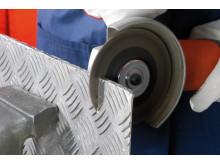 Nye skære- og skrubskiver til batteridrevet vinkelsliber Anvendelse