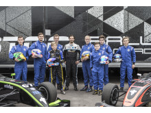 Gruppbild pristagarna i Prins Carl Philips Racing Pokal under testdag i Karlskoga 11 oktober. Foto: Daniel Ahlgren/STCC