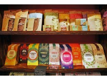 """Das Sortiment des Schokoladenfachgeschäftes """"Wein & Schokolade"""" umfasst hochwertige Schokoladen aus Edelkakaosorten"""