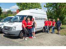 Santander Mitarbeiter packen an bei der Cottbuser Tafel
