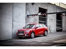 Q2 er Audis nyeste SUV, der med sin højde, sit urbane udtryk og kraftfulde benzinmotor er skabt til eventyr