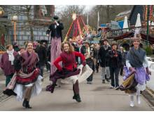 Gøgl og parade i Bakkens gader til åbningen 2018