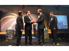 Michael Sengol (second from left) receiving award from Mr Tharman Shanmugaratnam