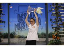 Malin Haak från Sankt Olof vann Dessertmästarna 2017. Malin varvar just nu mammaledigheten med jobb på sin sambo Martin Morands företag Pastry Inspiration. Foto: Kanal 5