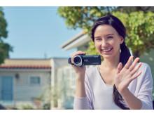 Φυλάξτε για πάντα τις πιο πολύτιμες στιγμές της ζωής σας σε ανάλυση 4K με τη νέα σειρά βιντεοκαμερών Handycam® της Sony