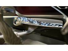 Som en humoristisk vri er Kias nye konseptbil utstyrt med hele 21 skjermer.