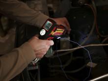Kompakt M12 lasertemperaturmåler til elektrikere