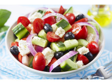 Gresk salat vekker ferieminner. Server den gjerne med tzatziki til.