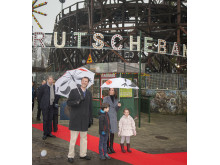 D.K.H. Prins Joachim og Prinsesse Marie i Rutschebanen på Bakken