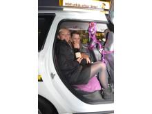Det sa klick mellan dem i Taxi Göteborgs bil – nu kom frieriet och hon sa ja