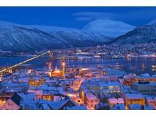Blaue Stunde im winterlichen Tromsø