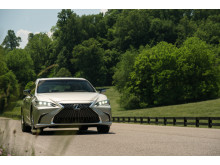 Nya Lexus ES 300h