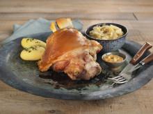 Svineknoke med surkål og poteter