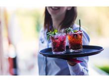 Cocktails på verandan på Smådalarö Gård