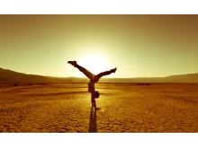 Yoga Handstand Sahara Desert_Source istock