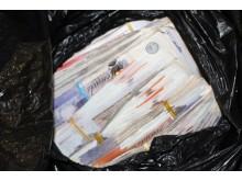E 02 18 Bundle of cash