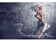 Premiärdansaren Nathalie Nordquist i Altro Canto i koreografi av Jean-Christophe Maillot och kostym av Karl Lagerfeld.