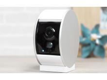 Somfy Security Camera är en vackert designad säkerhetskamera med unik motoriserad lucka för ökat integritetsskydd.