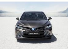 2019-camry-hybrid-01